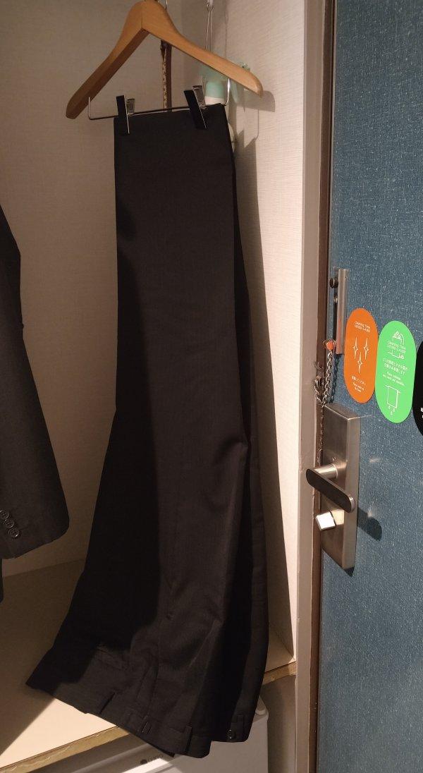 サンライフホテル2・3<博多>の部屋を写真で紹介(ハンガーの高さ)
