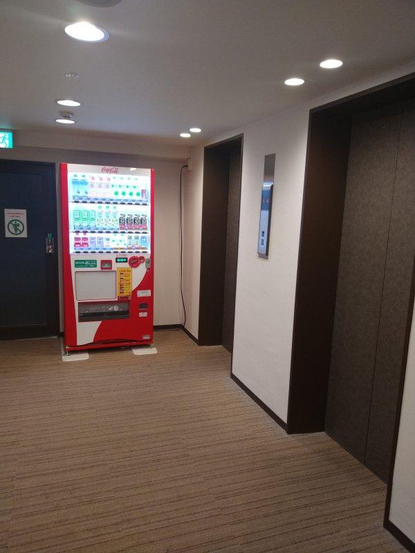 サンライフホテル2・3<博多>の部屋を写真で紹介(エレベーターホール)