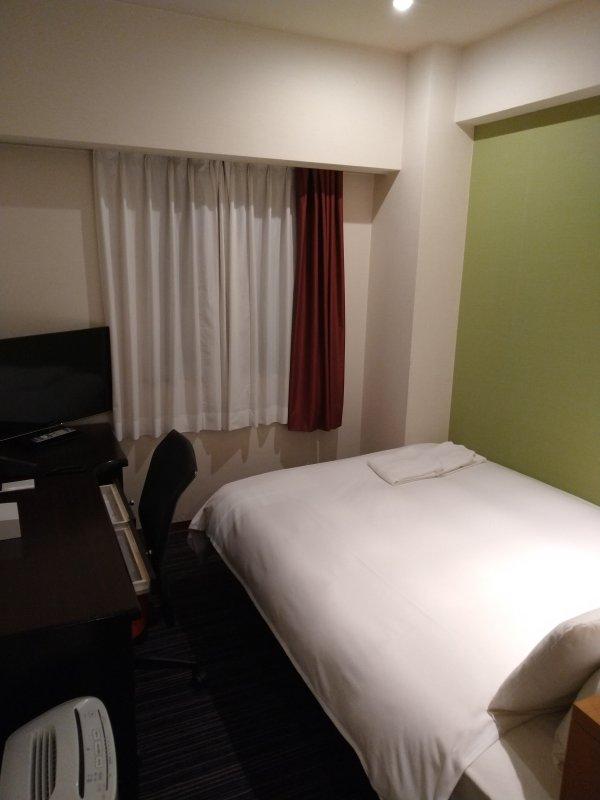 ザ・ビー博多の部屋を写真で紹介(部屋の奥)