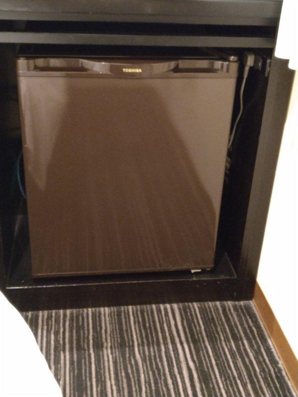ザ・ビー博多の部屋を写真で紹介(冷蔵庫)