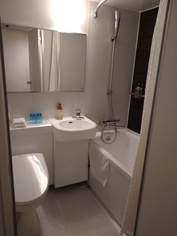 ザ・ビー博多の部屋を写真で紹介(バス・トイレ1)
