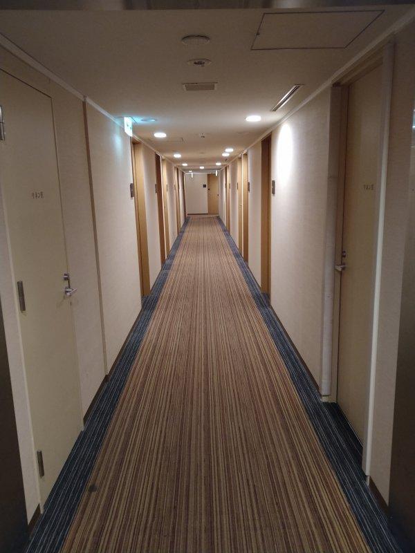 ザ・ビー博多の部屋を写真で紹介(廊下)
